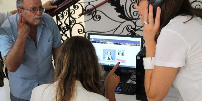 Alcoy rompe barreras y facilita la comunicación en lenguaje de signos