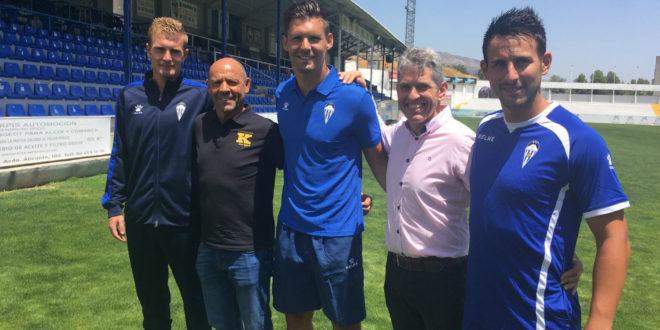 El Alcoyano firma un acuerdo por cuatro temporadas con el Kelme