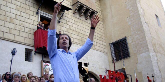Rafael Mullor Grau proclama la llamada de la Fiesta en Cocentaina