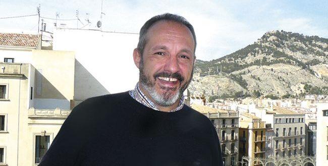 Luís Sanus realizará el cartel de la Romería de la Virgen de los Lirios