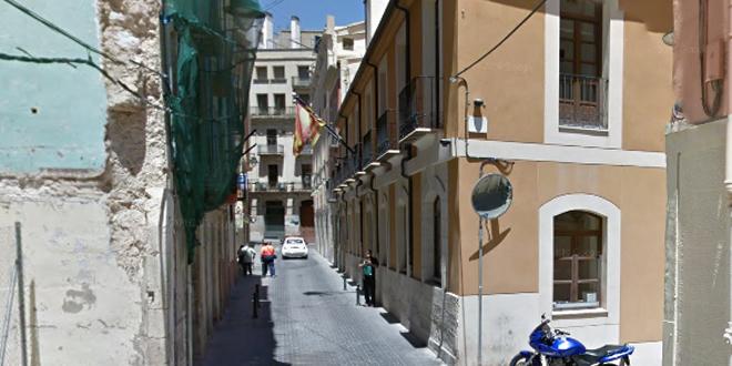 Ciudadanos pide la reparación del firme de la calzada  de la calle Casablanca