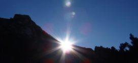 Penáguila vive la tradición ancestral de la alineación solar de Santa Lucía