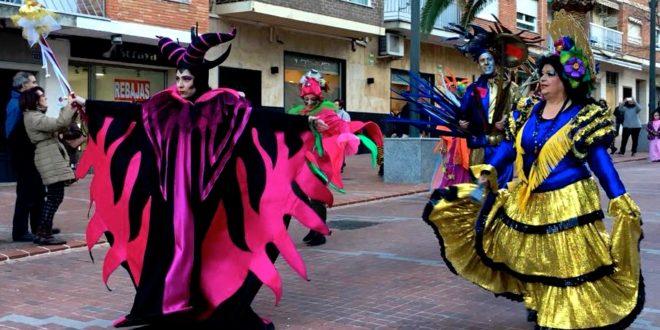 El Carnaval llena de color las calles de Cocentaina