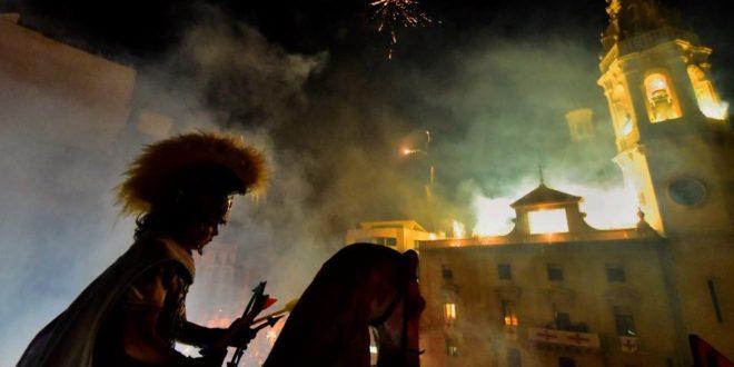La Aparición de Sant Jordiet culmina una gran Festa