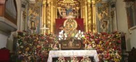 La Mare de Déu del Miracle arropa a enfermos e impedidos