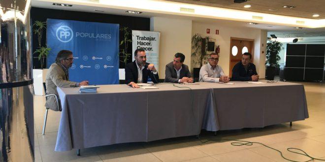 El PP comarcal planifica su programa electoral en la convención de 'La Montaña'