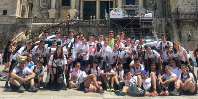 Los alumnos de San Vicente de Paúl dejan su huella en el Camino de Santiago