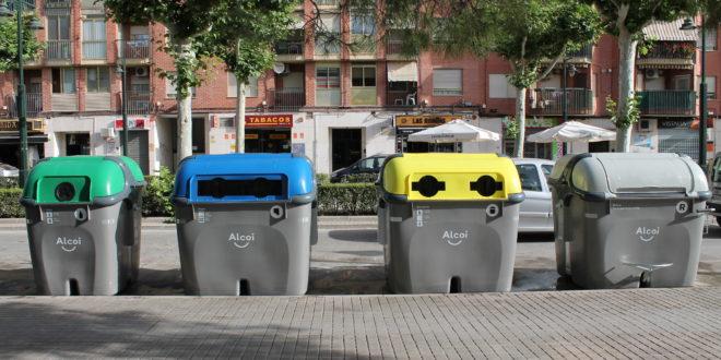 El PP asegura que los contenedores de quita y pon en el Centro no han dado buen resultado
