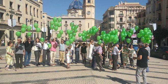 El Día Mundial del Alzheimer se tiñe de verde en la comarca