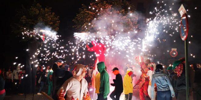 Un espectáculo de fuego abre los actos del 9 d'Octubre en Alcoy