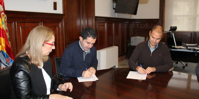 Ayuntamiento y Cotes Baixes firman un convenio por el proyecto Eco-Dimoni