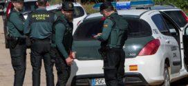 La Guardia Civil detiene a un hombre por degollar a su pareja en Planes