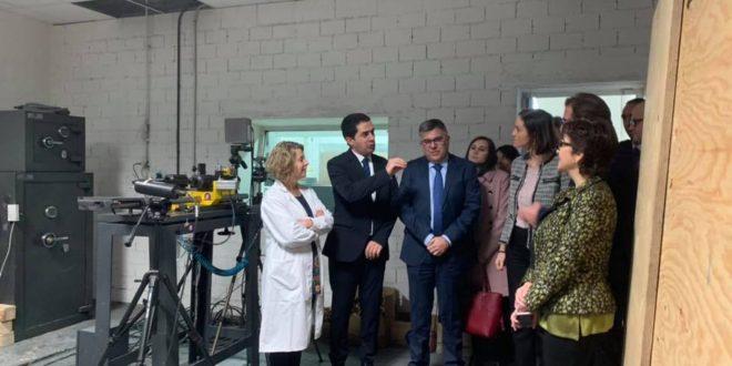 La Ministra Maroto visita las instalaciones de AITEX