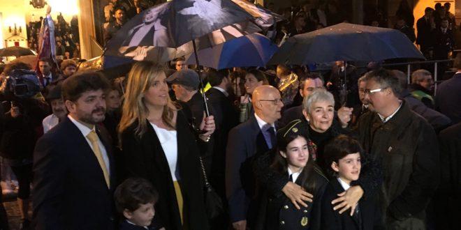 La lluvia se cuela en el estreno de la Festa alcoyana