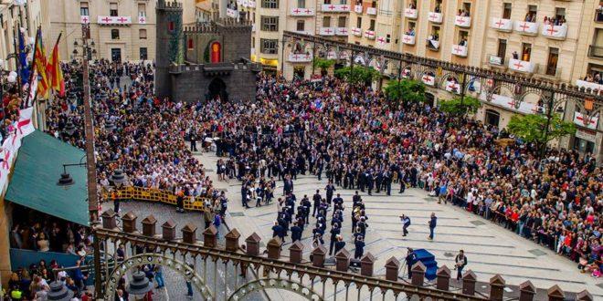 La Festa en honor a San Jorge se abre camino en Alcoy