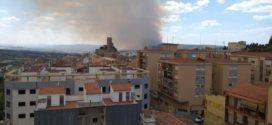 Un incendio calcina más de 834 hectáreas en Beneixama y cerca de Banyeres