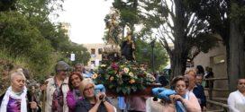 Alcoy muestra su fe y devoción a la Virgen de los Lirios