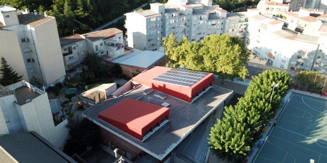 El Ayuntamiento realiza  instalaciones fotovoltaicas en dos colegios públicos
