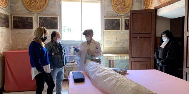 Vuelve a Cocentaina la túnica restaurada de Jesús Nazareno del siglo XIX